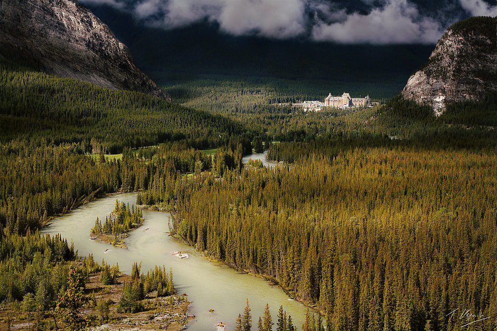 Bow River and the Banff Springs Resort